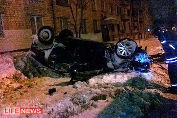 Video Car Crashing Seven Stories